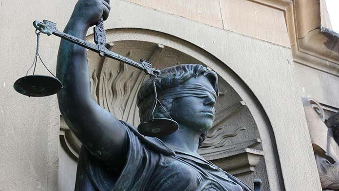 Studia prawnicze - teoria i praktyka